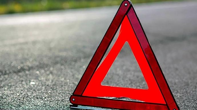 От удара авто вылетело на газон: в Запорожской области произошло серьезное ДТП (ВИДЕО)