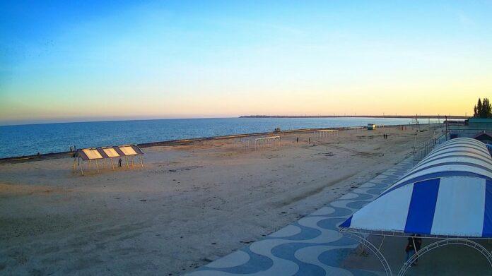В Геническе появились новые веб-камеры с видом на пляжи и Генический маяк
