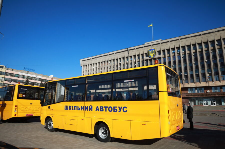 В Запорожье представили очередную партию нового транспорта АвтоЗАЗ (ФОТО)