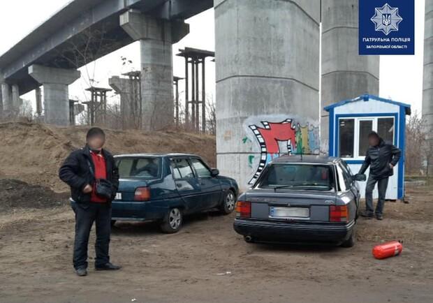 Не успели достроить: в Запорожье новые мосты начали разбирать на металлолом (ФОТО)
