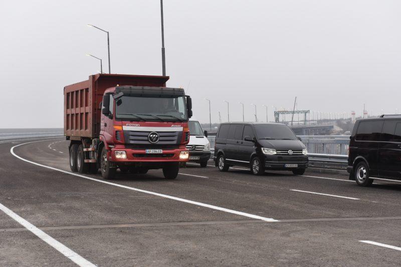 В Запорожской области на мосту через Старый Днепр открыли движение транспорта с Хортицкого района на Хортицу