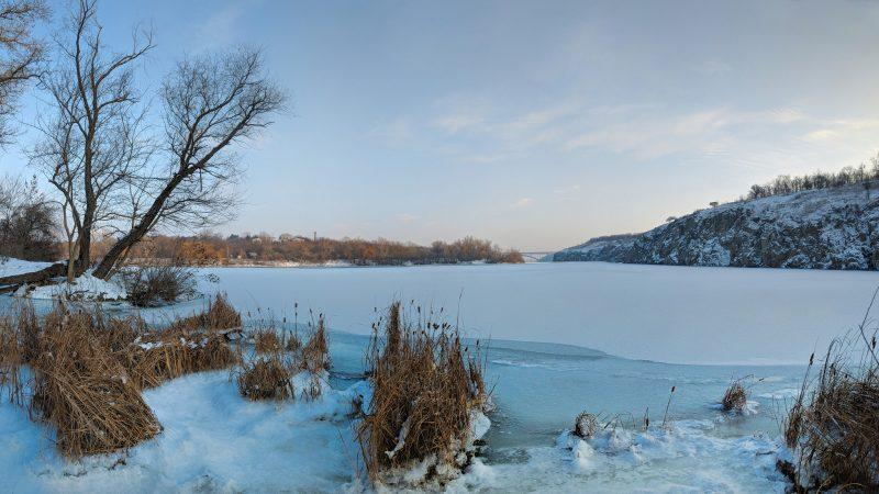 Очарование зимней Хортицы показал запорожский фотограф - фото
