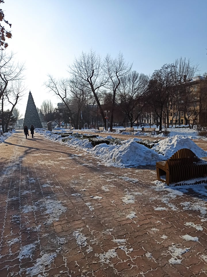 В Запорожье еще холодно - мороз около 12 градусов