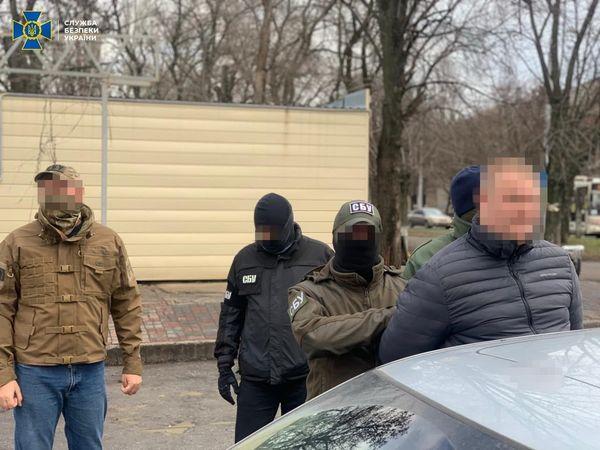 В центре Запорожья задержали следователя полиции