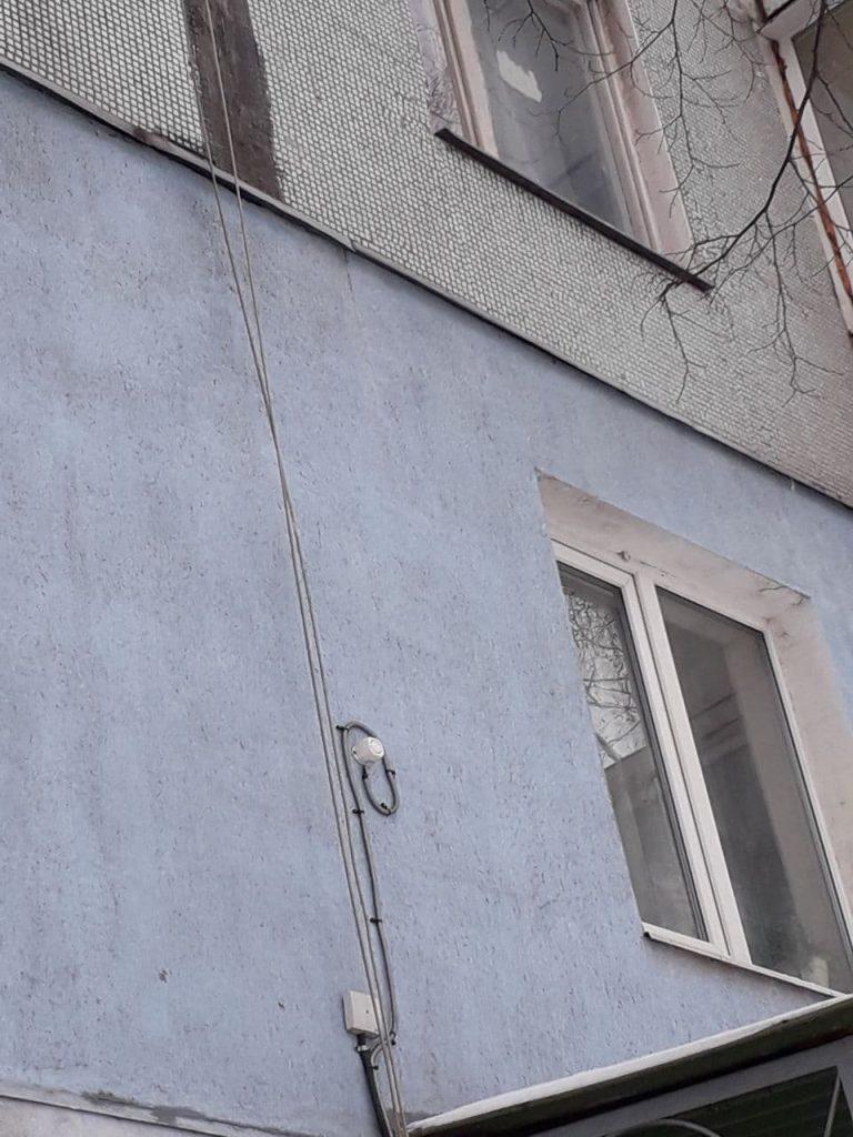 специальный датчик на фасаде