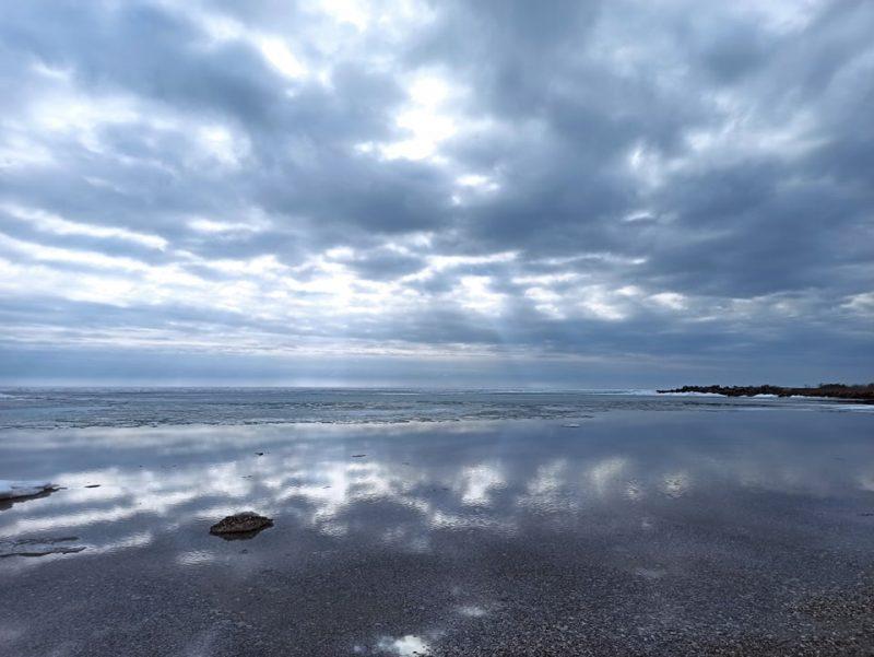 В Запорожской области на Азовском море лед еще не растаял - фото