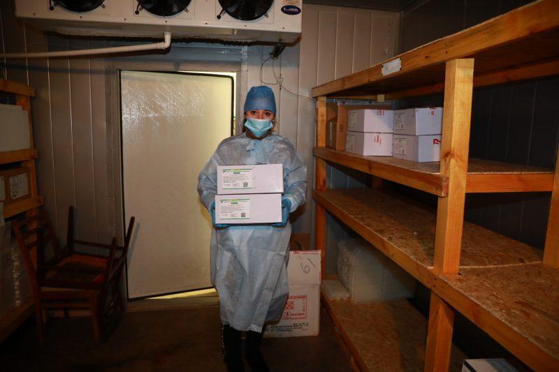 В Запорожье доставили первую партию COVID-вакцины