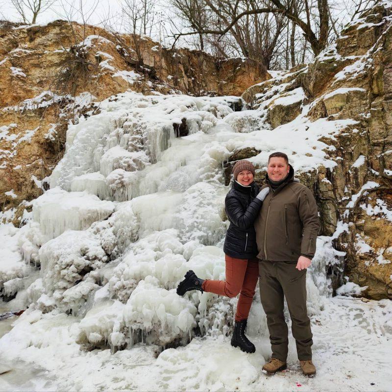 замерз водопад