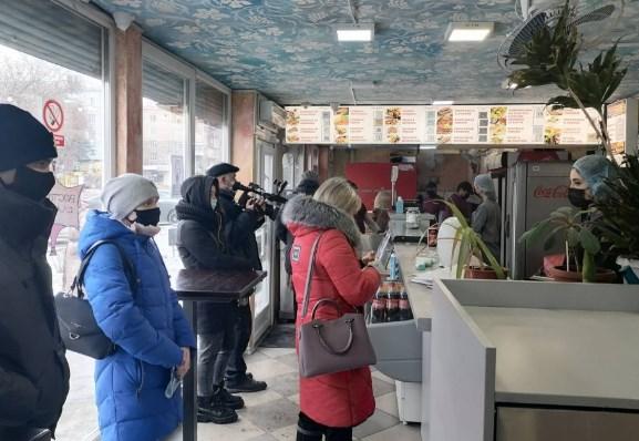 Запорожские кафе массово нарушают карантинные требования