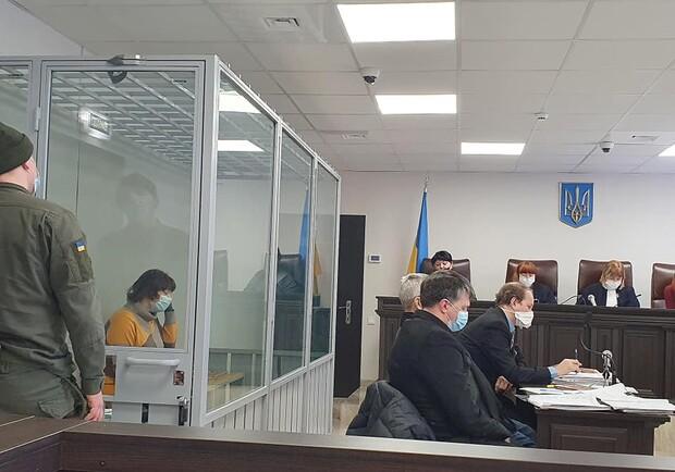 В Запорожье на суде избили няню, которую подозревают в убийстве годовалого ребёнка
