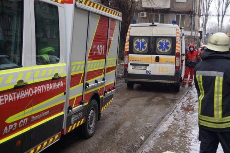 В Запорожье произошел обвал перекрытия в многоэтажном здании: есть пострадавший (ФОТО)