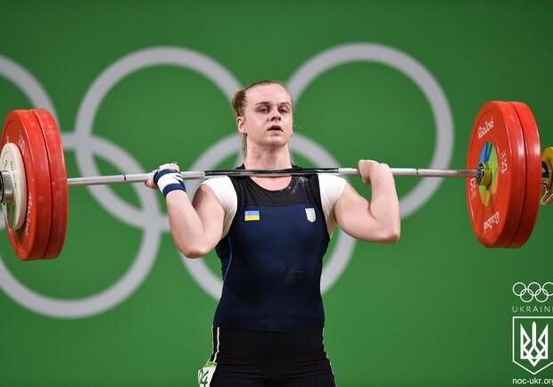 Ирина Деха стала абсолютной чемпионкой Европы по тяжелой атлетике. Фото: facebook.com/olympicua