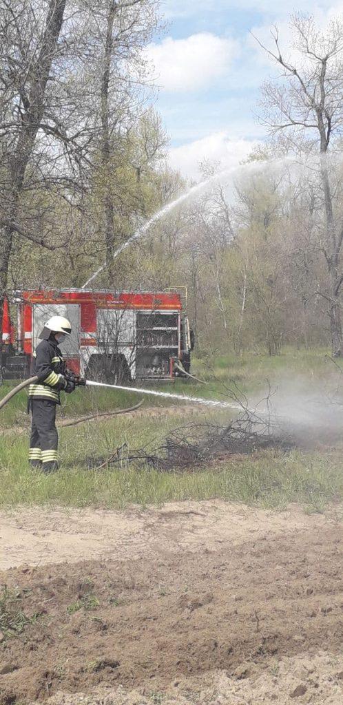 тушили пожар