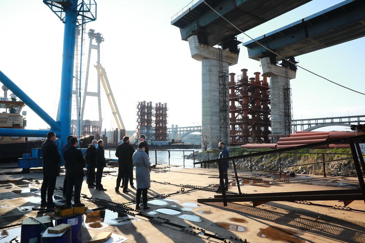 В Запорожье мосты строят 24/7: что уже сделано и когда откроют (ФОТО)