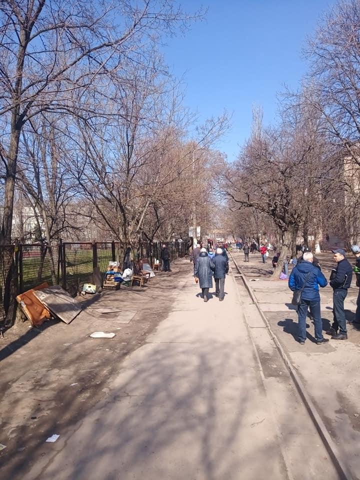 В Бородинском микрорайоне запрещают торговать стихийщикам