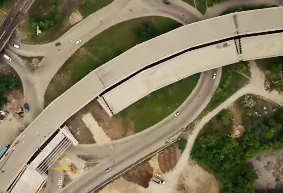 Вид сверху: в сети показали, что происходит на строительстве мостов в Запорожье с высоты (ВИДЕО)