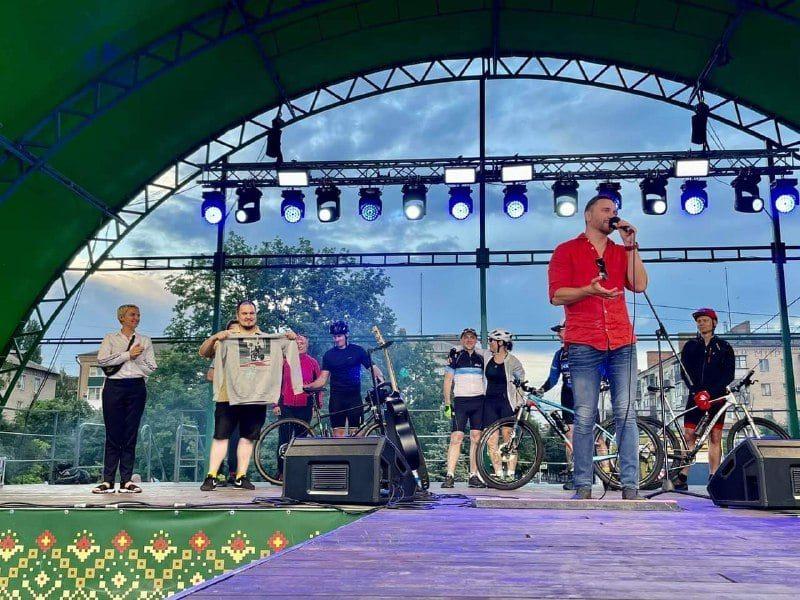"""Фронтмен группы """"Скай"""" проедет по стране на велосипеде и побывает в Запорожье"""