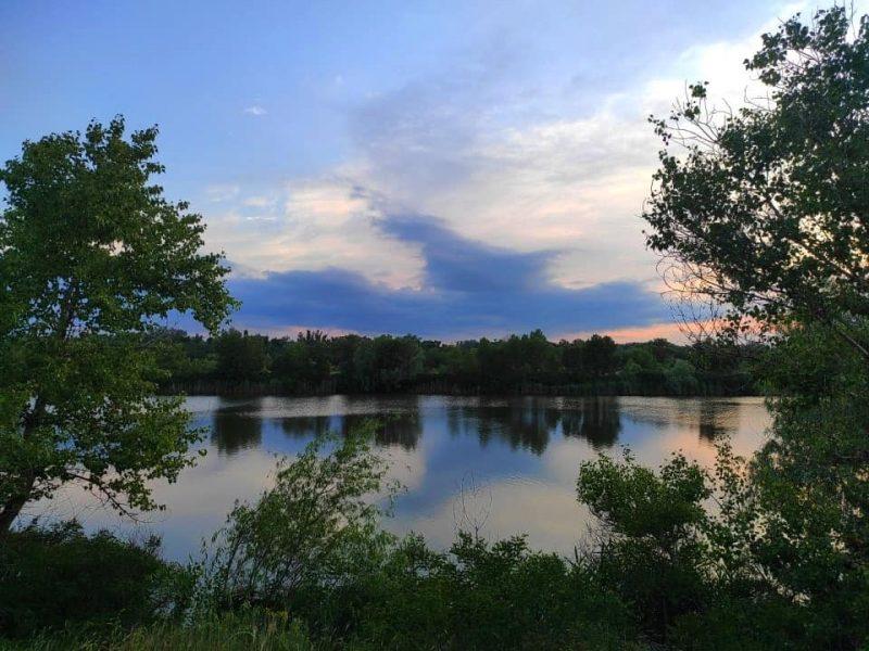Как в Запорожье выглядит Гребной канал на закате - фото