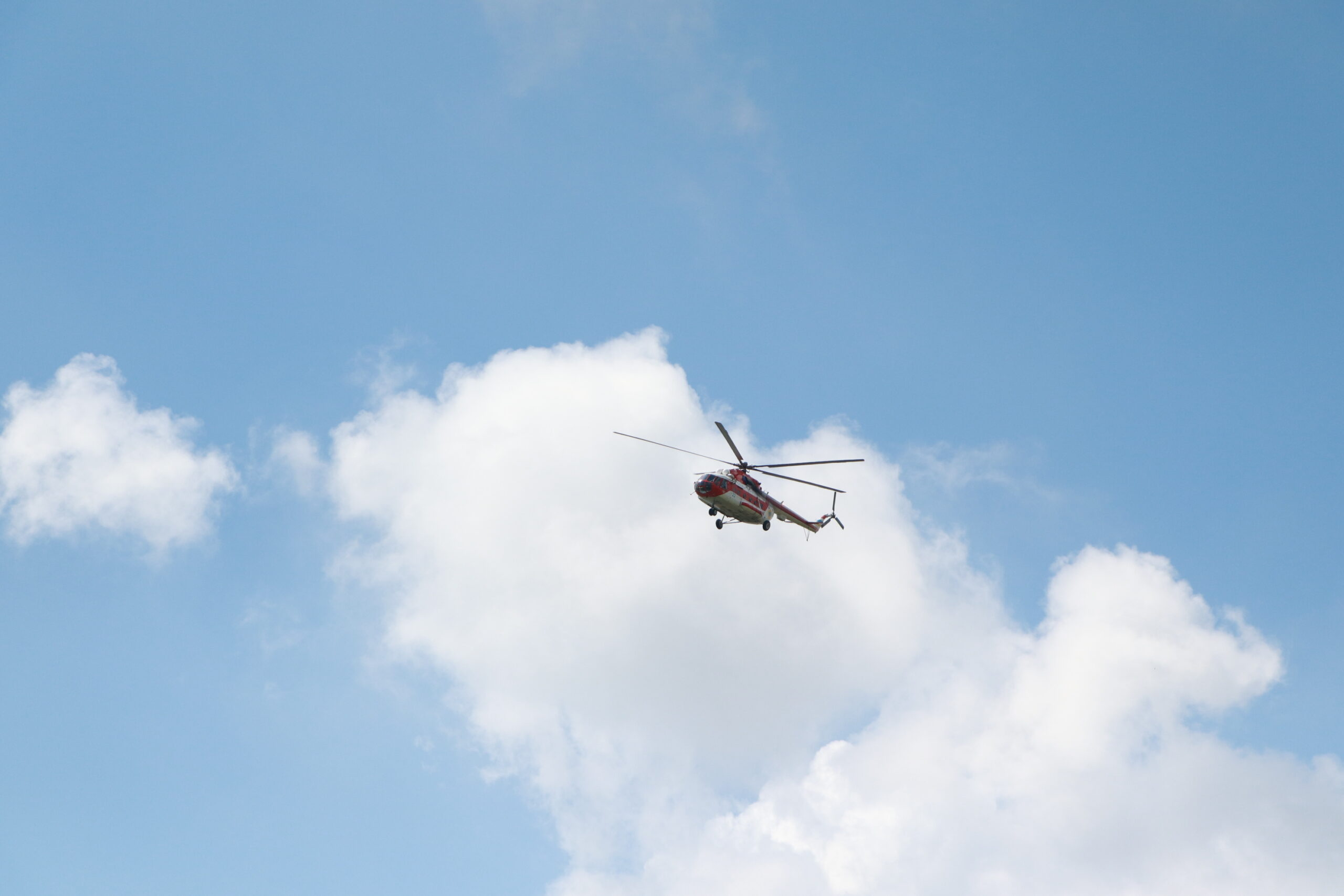 Масштабные учения в Запорожской области: вблизи запорожского аэропорта разбился вертолет (ФОТО)