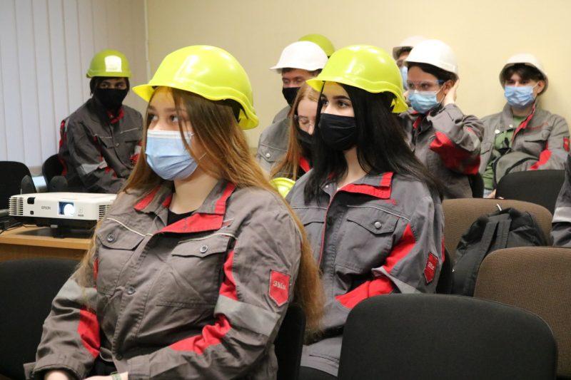 Першокурсники запорізького інженерного інституту побували на комбінаті «Запоріжсталь»