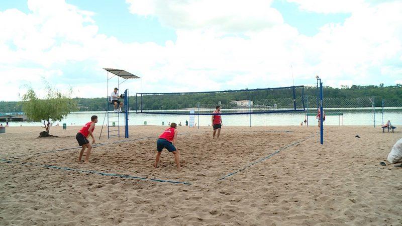 Профессионалы и любители плечом к плечу играли на новой волейбольной локации Запорожье