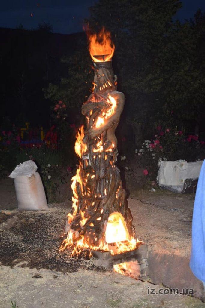 Ночной обжиг скульптуры