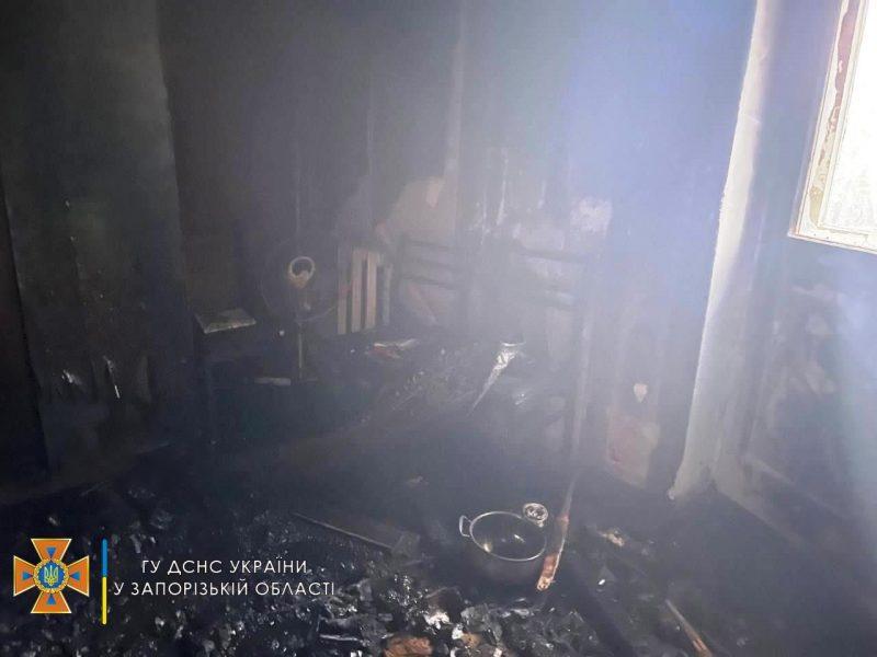 во время пожара из многоэтажки эвакуировали детей и взрослых