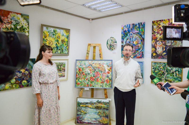 Запорожская художница выражает любовь к родному краю на своих полотнах