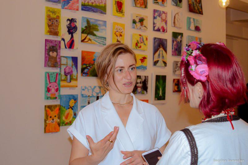 Запорожская писательница рассказала, как йога помогает ей писать стихи