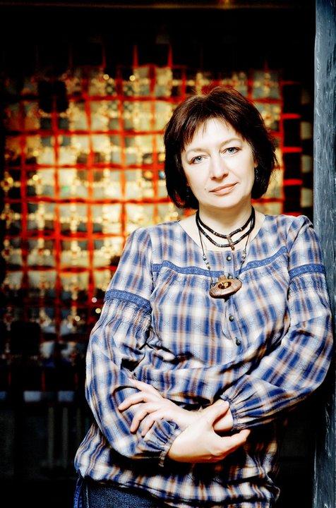 Запорожская художница Татьяна Власенко дает ткани вторую жизнь