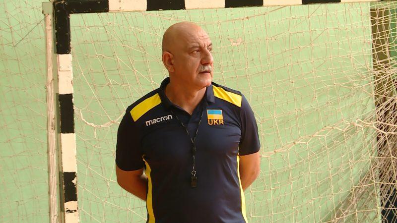 главный тренер ВК «Орбита» Гарий Егиазаров.