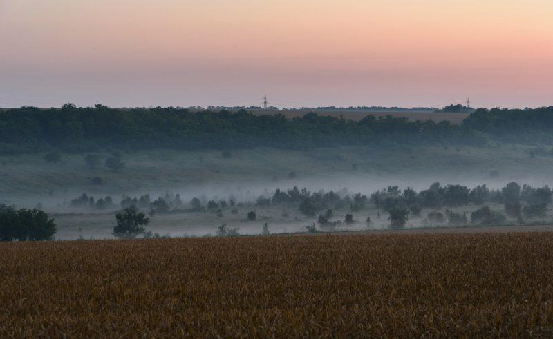 Запорожский фотограф показал, как небо на рассвете меняет цвета - фото