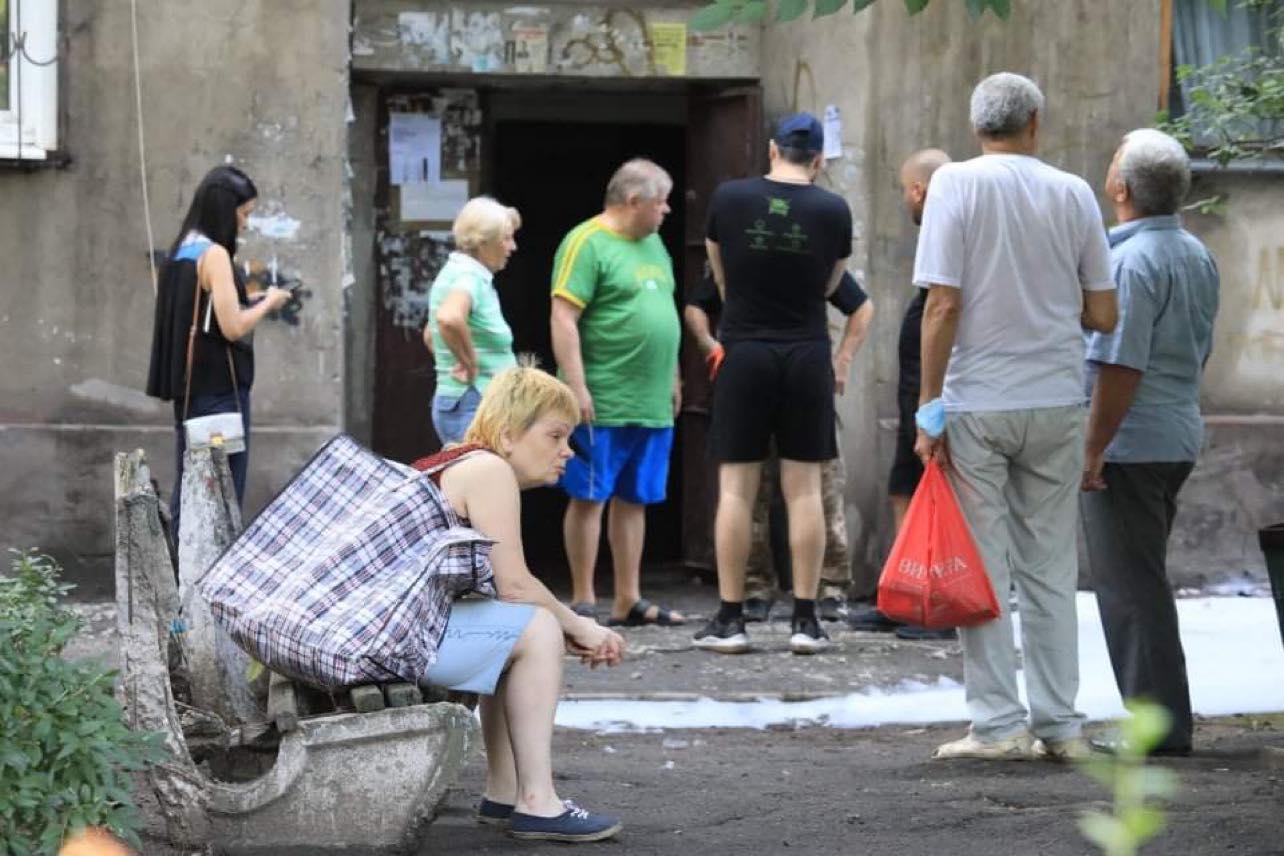 Стало известно, когда и за чей счет восстановят сгоревший дом в центре Запорожья (ФОТО)