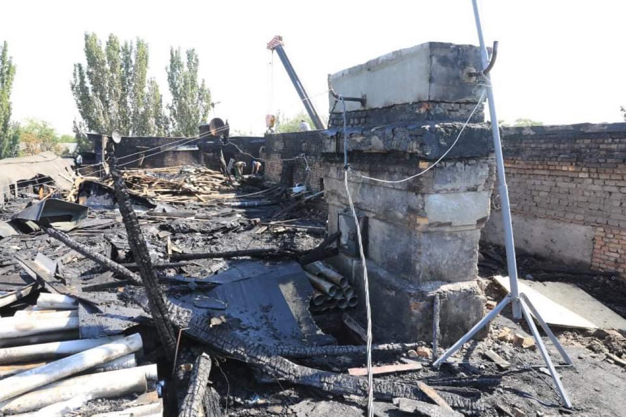 В Запорожье на доме, пострадавшем от пожара, установят временную кровлю: подробности (ФОТО)