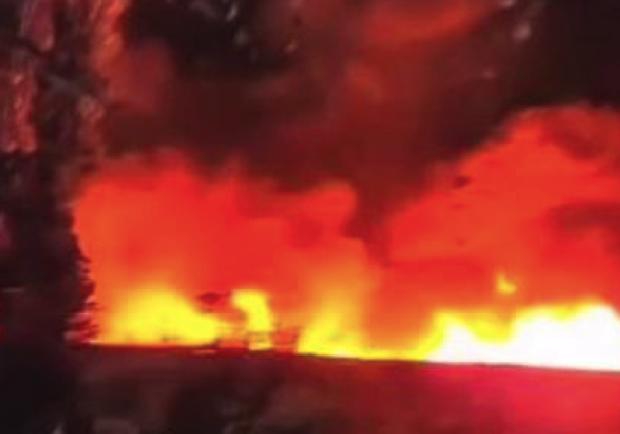 Видно даже с другого берега: в районе Металлургов страшный пожар - фото Это Запорожье