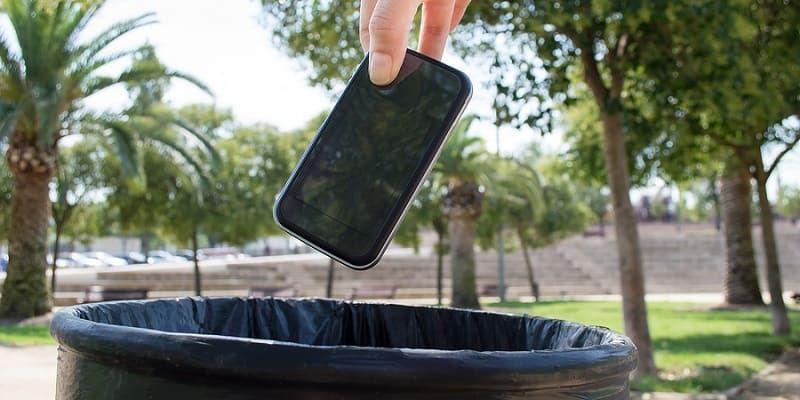 Гаджет устарел: как правильно утилизировать мобильные телефоны