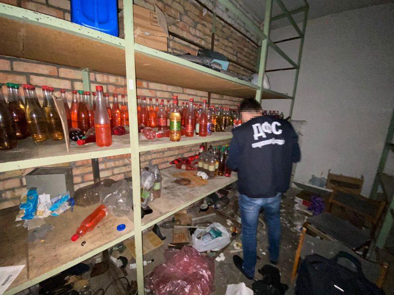 В Запорожской области прикрыли подпольный цех по изготовлению сидра