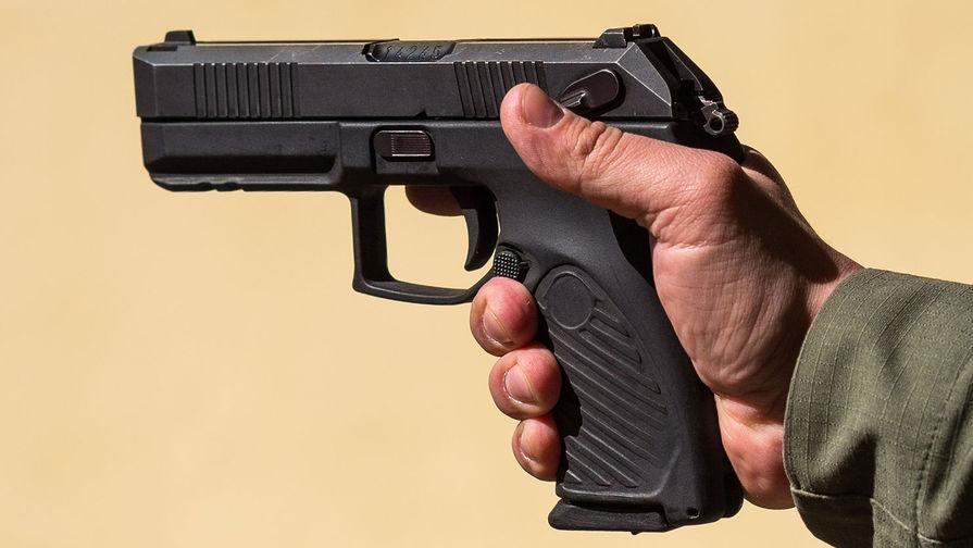 В запорожской маршрутке пассажиры обнаружили пистолет (ФОТОФАКТ)