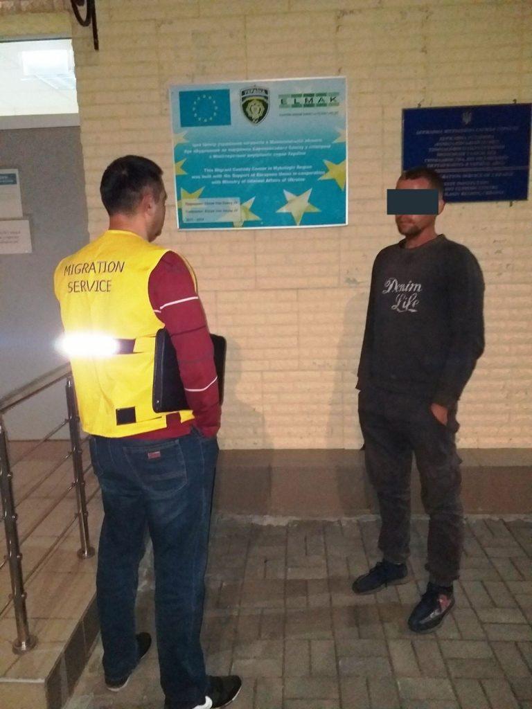 Нелегала выдворят за пределы Украины и запретят въезд на 8 лет