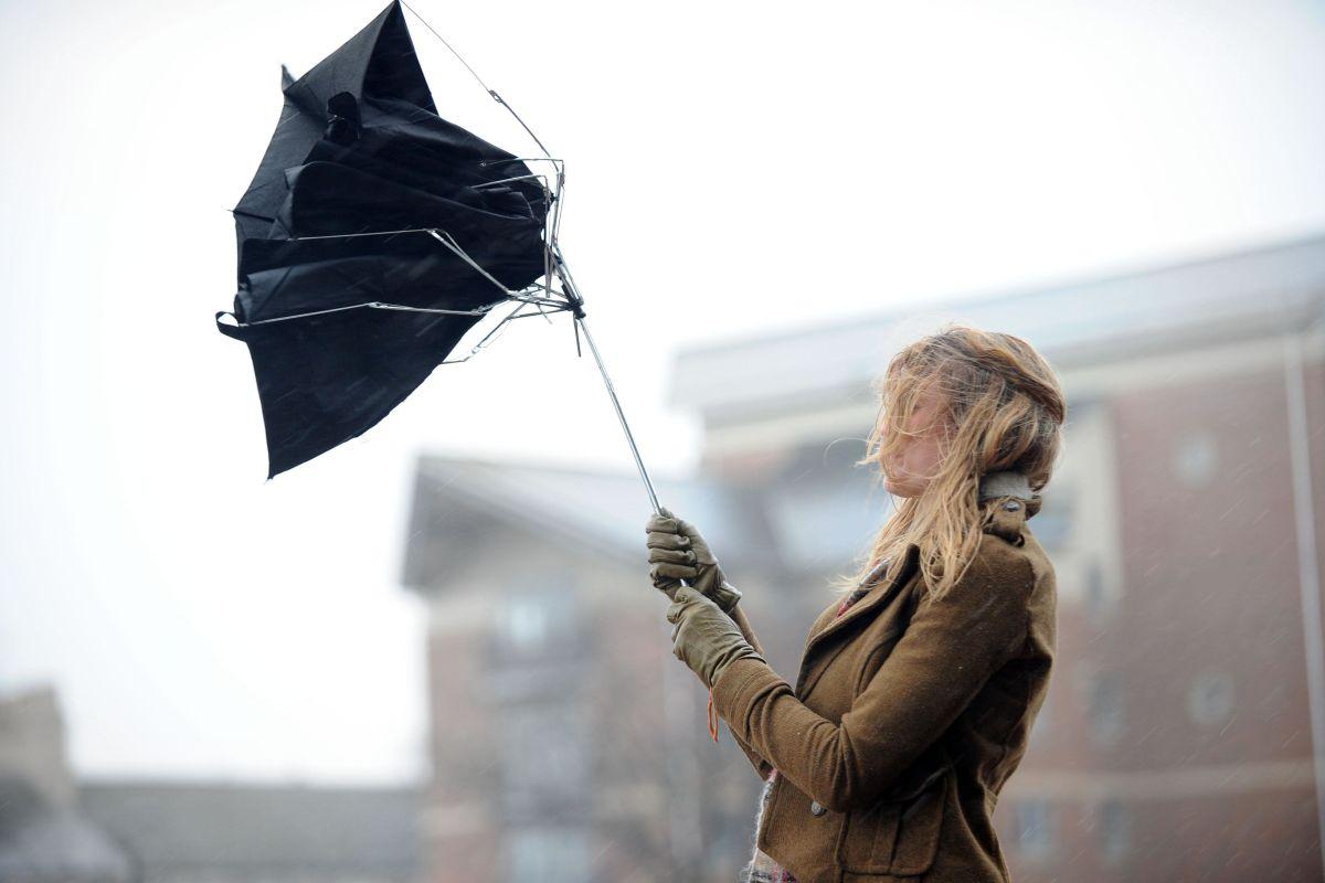 Сильный ветер и похолодание: в Запорожской области объявлено штормовое предупреждение
