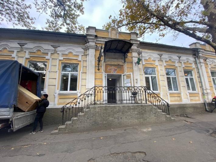 В музее Запорожской области появились уникальные экспонаты из старой аптеки - фото
