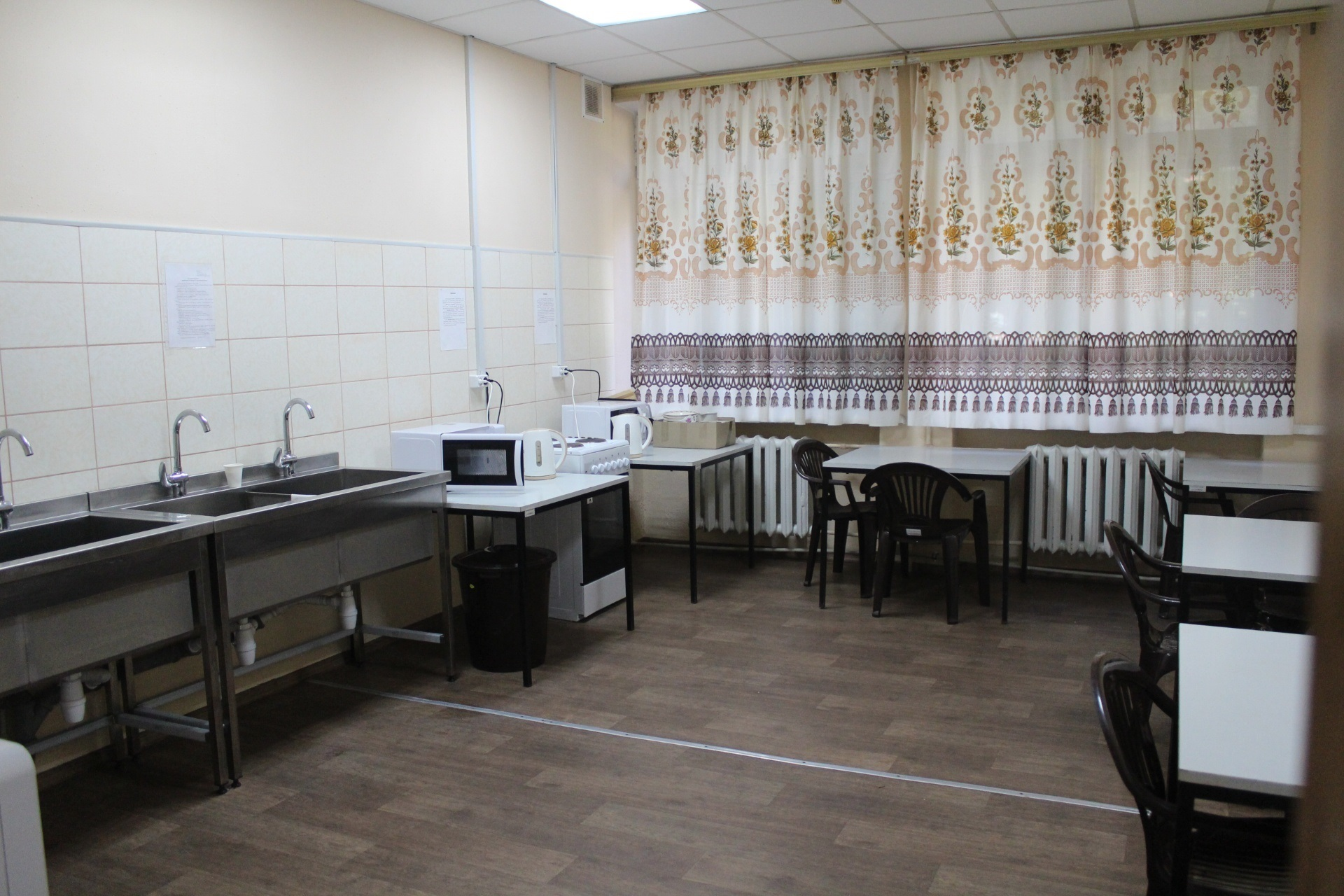 В Запорожье открыли приют для бездомных (ФОТО)