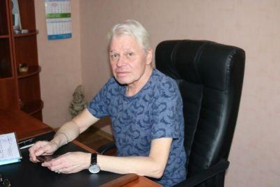 alleya-izvestnyh-zaporozhczev-novye-kresla-i-premery-chto-budet-v-novom-sezone-teatra-molodezhi.jpg