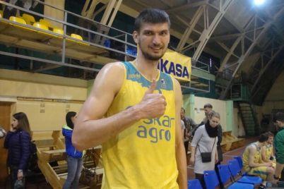 basketbolist-rekordsmen-kakoj-rost-u-samogo-vysokogo-ukraincza.jpg
