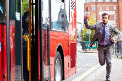 begi-na-avtobus-populyarnyj-tramvaj-izmenit-svoj-marshrut.jpg
