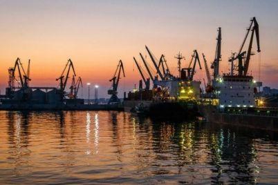 berdyanskij-morskoj-port-uvelichil-perevalku-gruzov.jpg