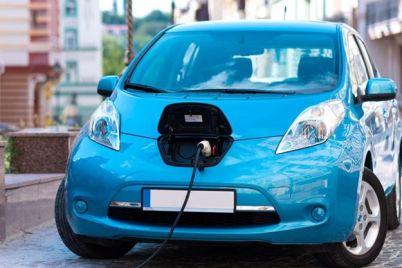 beregi-prirodu-i-elektrokary-zelenskij-podpisal-zakon-dayushhij-preferenczii-elektromobilyam.jpg