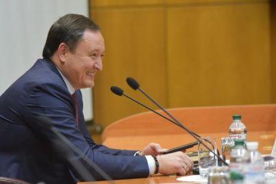 byvshij-gubernator-zaporozhskoj-oblasti-konstantin-bryl-ustroilsya-rabotat-professorom-v-vuz.jpg