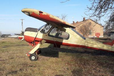 cherez-ploshhadku-setam-prodali-eshhe-odin-polskij-samolet-s-aerodroma-v-shirokom.jpg