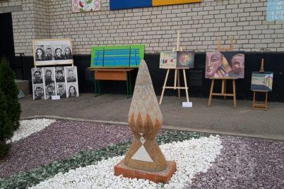 chto-polyaki-sdelali-v-sele-v-zaporozhskoj-oblasti-foto.jpg